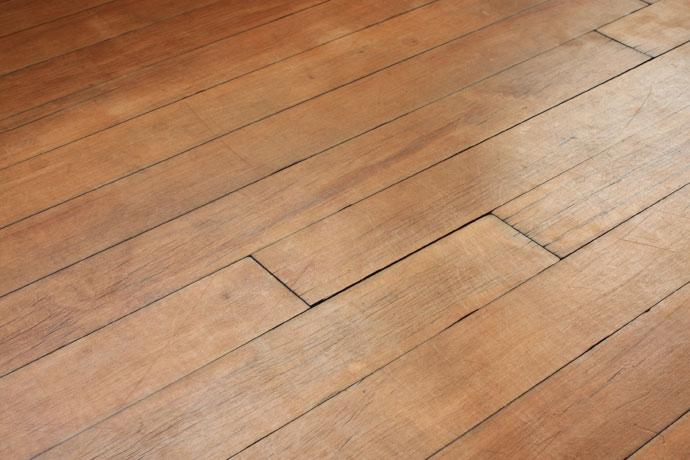 Чем отличается пол из древесины